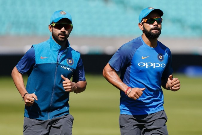 Batting star friends Kohli, De Villiers face off