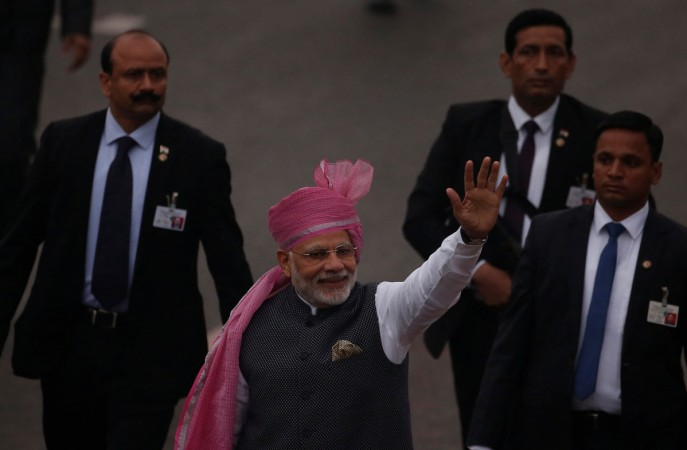 Modi given warm welcome by Indians in US