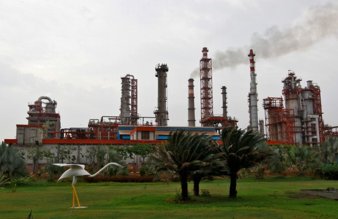 Essar Oil-Rosneft deal concludes; lenders' stocks surge