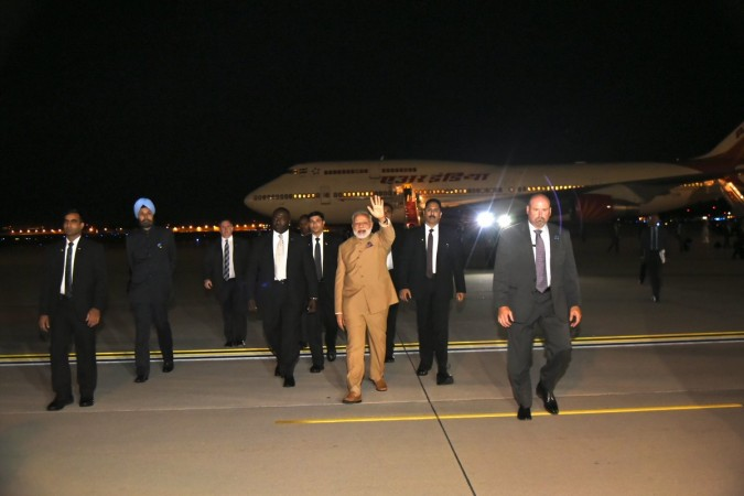 PM Narendra Modi arrives at United States; meets with top American CEOs