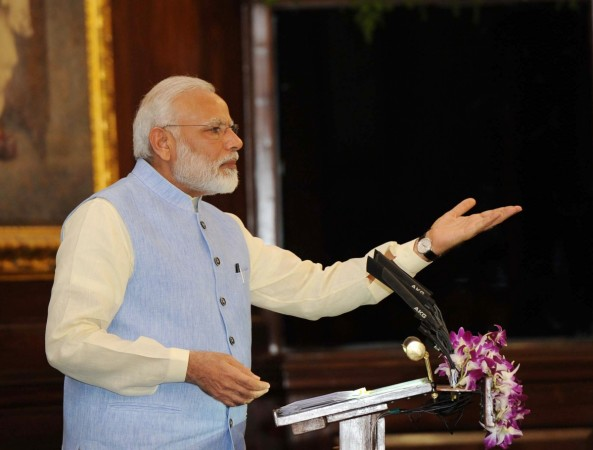 Modi rakes up Indira Gandhi's Morbi visit to attack Congress