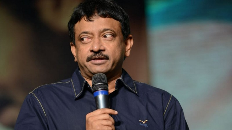 Megastar Chiranjeevi will have special screening for Agnyaathavaasi!