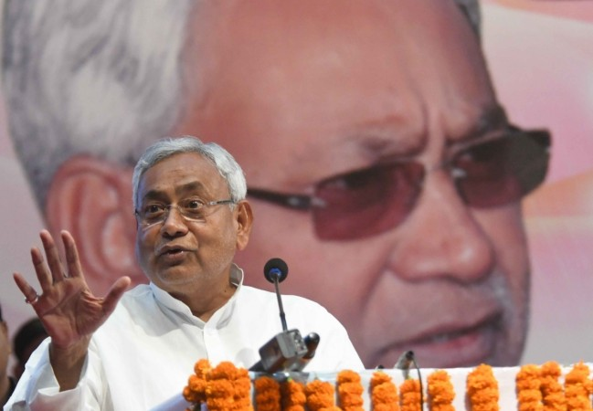 Stones hurled at Nitish Kumar's cavalcade; CM safe