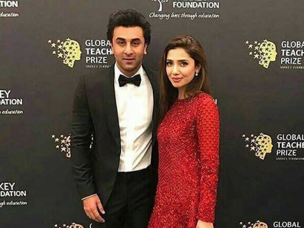 Mahira Khan Caught Smoking and Chilling With Ranbir Kapoor, Are They Dating?