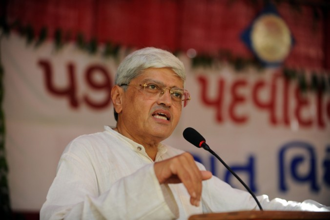 Nephew slams Gopalkrishna Gandhi for offering candidature to Congress
