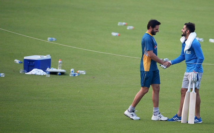 Shahid Afridi's Respectful Gesture Towards The Indian Flag Shows His True Sportsmanship