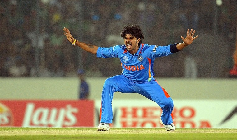 S Sreesanth gets desperate, forgets cricket laws