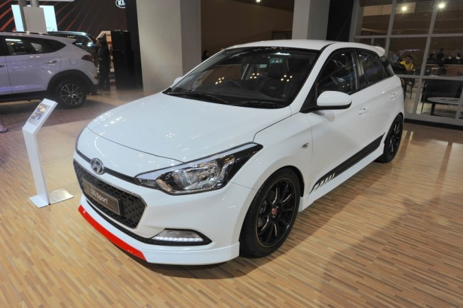 2017 hyundai i20 sport revealed is it ideal for india ibtimes india. Black Bedroom Furniture Sets. Home Design Ideas