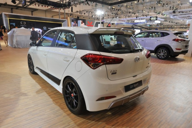 2017 hyundai i20 sport revealed is it ideal for india. Black Bedroom Furniture Sets. Home Design Ideas