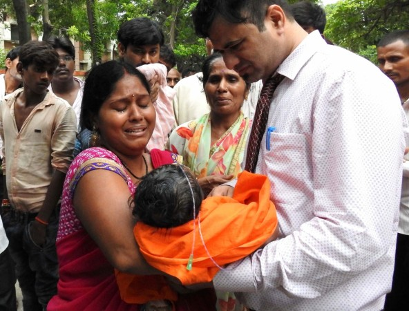 Gorakhpur Hospital Tragedy : 60 children die due to lack of oxygen supply