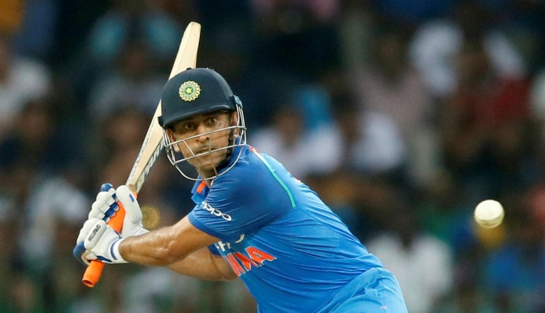 Dhoni, Pandya scintillating knocks help India to 281/7 vs Australia