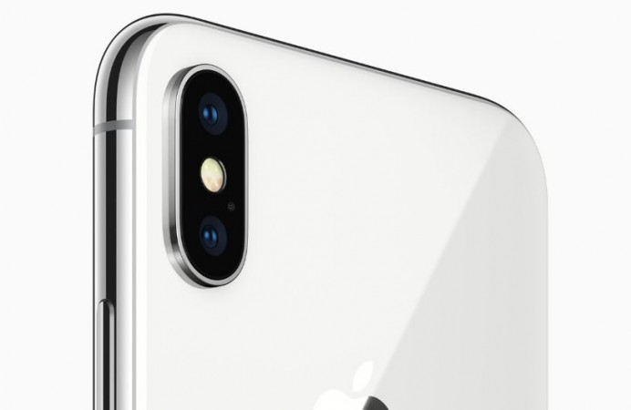 iPhone X rear dual camera