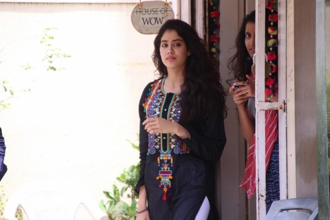 Desi Girl Chudai In Hindi Audio  Nesaporn