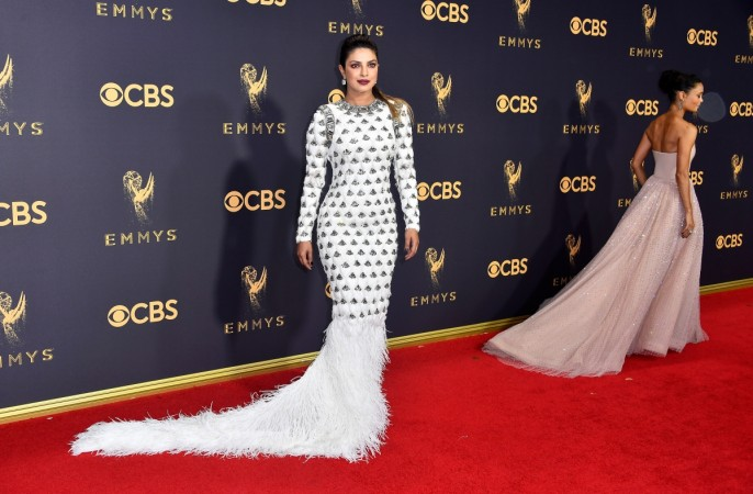 Emmys 2017: After presenting award previous year , Priyanka announces victor  again