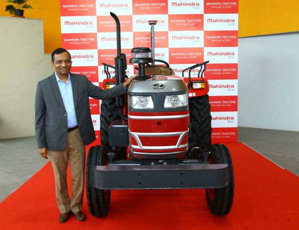 Mahindra unveils driverless tractor; launch in 2018