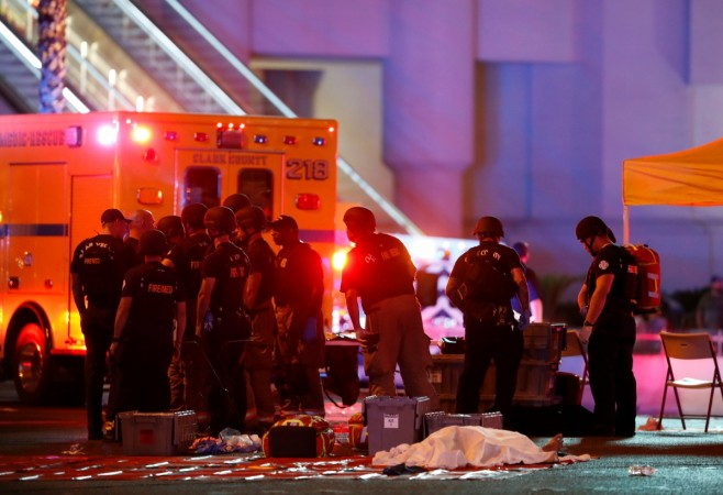 Las Vegas shooting: Paddock 'shot guard before attack'