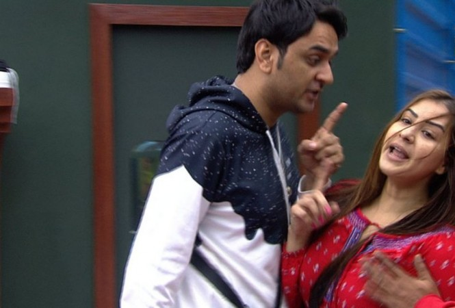 Bigg Boss 11: Vikas Gupta proves his friendship, sacrifices his jacket for Shilpa Shinde