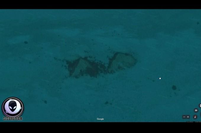 underwater pyramids, Scott C Waring, Google Earth, Google Maps,