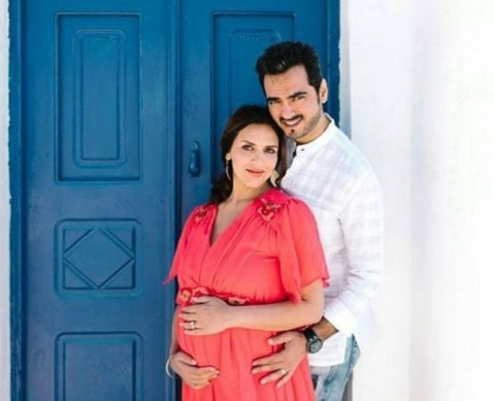Esha Deol, Bharat Takhtani take newborn daughter home. See her first pics