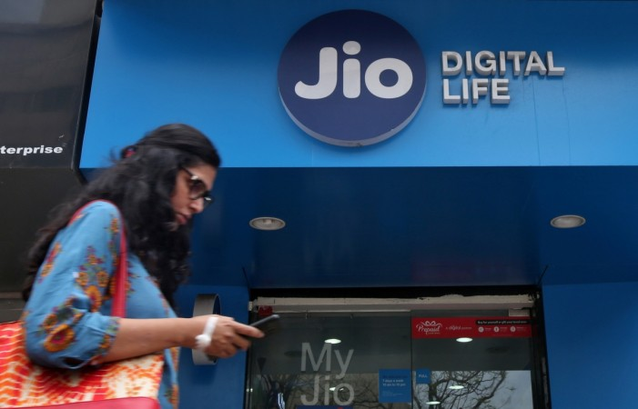 Reliance Jio slashes tariffs again, may hit rivals' ARPU