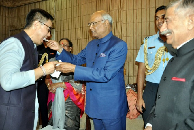 Kovind stops in Assam en route to Arunachal