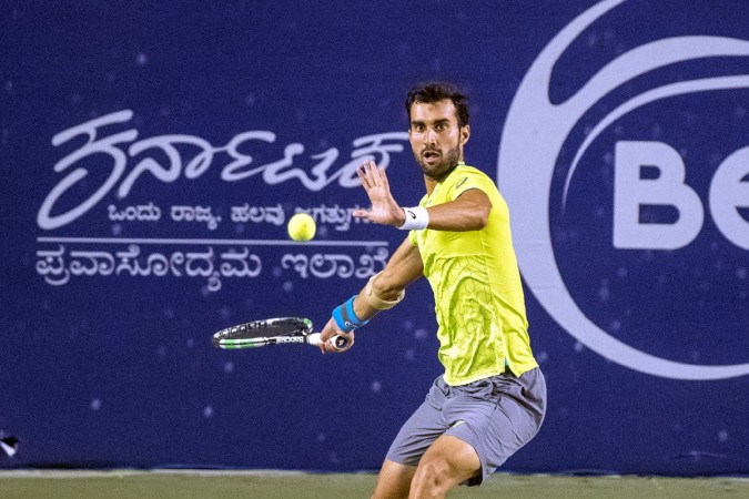 Bhambri beats Mahut to enter second round