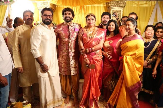 Sarath Kumar with his wife Radhika at Namitha's Marriage