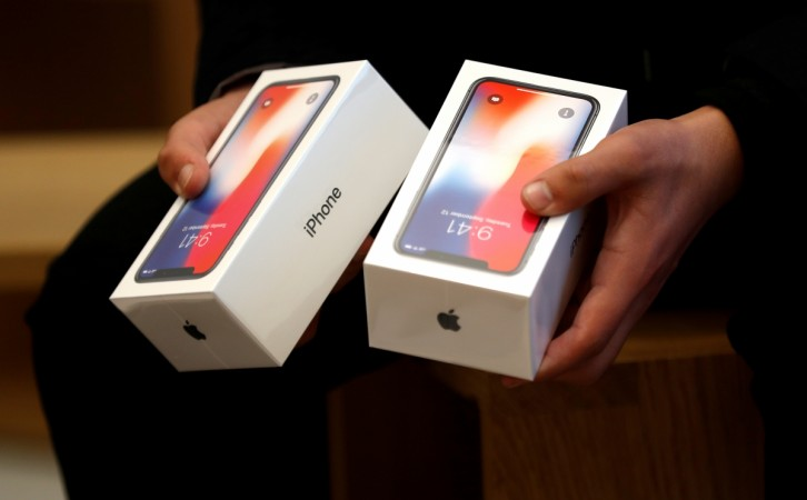 The iPhone X's $1000 price ticket scared everybody away