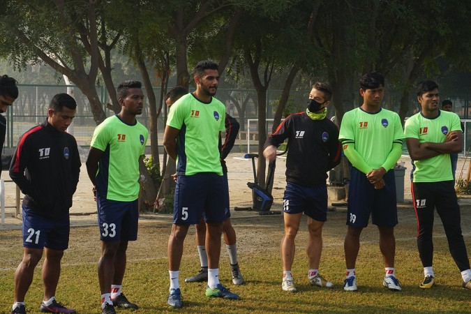 ISL: After Sri Lanka players, Footballers were seen wearing mask during training