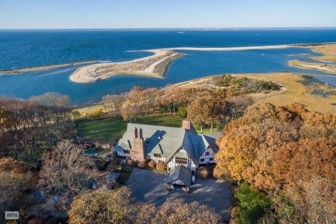 Brad Pitt and Angelina Jolie rented this Long Island home