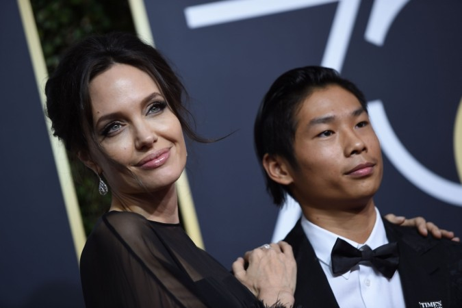 Angelina Jolie ignores Jennifer Aniston at the Golden Globes