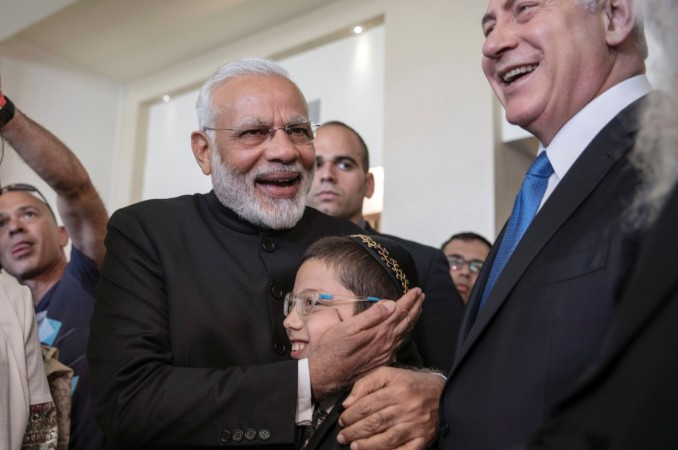 Netanyahu bonds with 11-year-old orphaned survivor of 2008 Mumbai terror