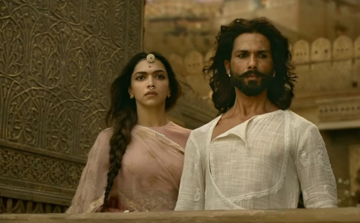 Leaked! On First Day Of Release, Padmaavat Streamed LIVE On Facebook