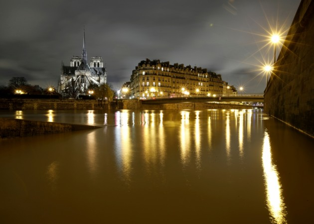 Floodwaters continue to rise in Paris