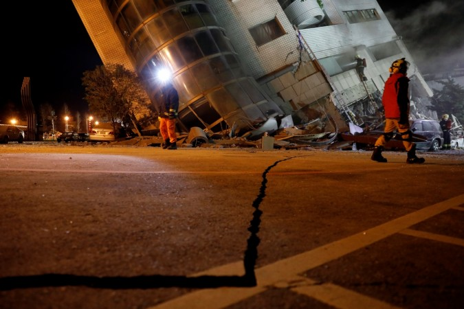 Powerful quake strikes off Taiwan's east coast