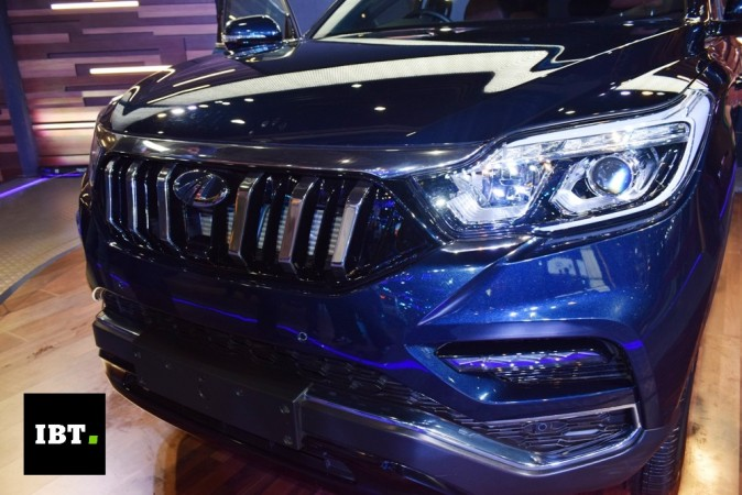Mahindra new 7-seat SUV's grille