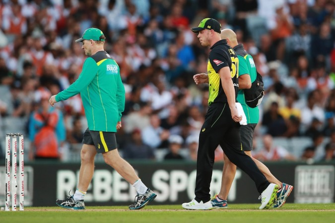 Shoulder injury takes Chris Lynn off the field