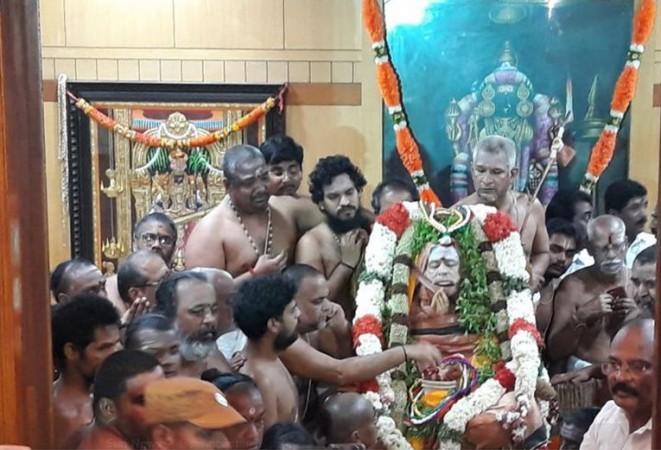 Kanchi seer Jayendra Saraswati laid to rest
