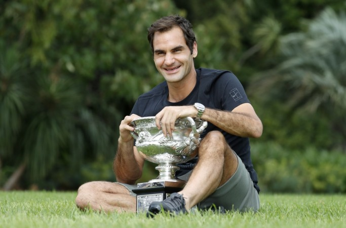 Roger Federer rolls into Indian Wells fourth round