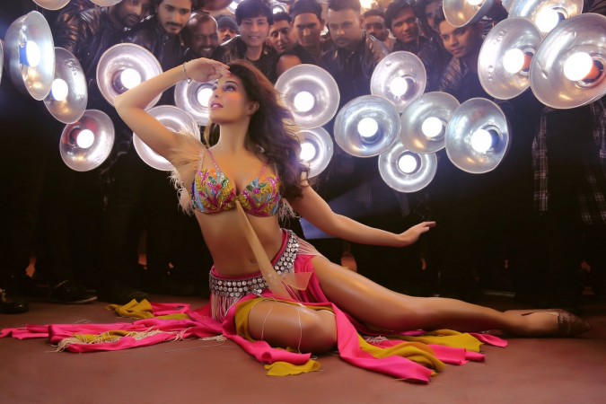 Race 3: Salman Khan introduces Jacqueline Fernandez as Jessica, the risky