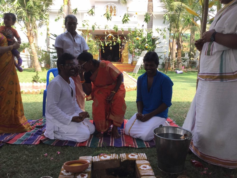 Raghava Lawrence to build a temple for his mother,Raghava Lawrence to build a temple for his Mother,Raghava Lawrence,Kanchana 2,Kanmani,Raghava Lawrence mother Kanmani,mothers day,Poovirundhavali
