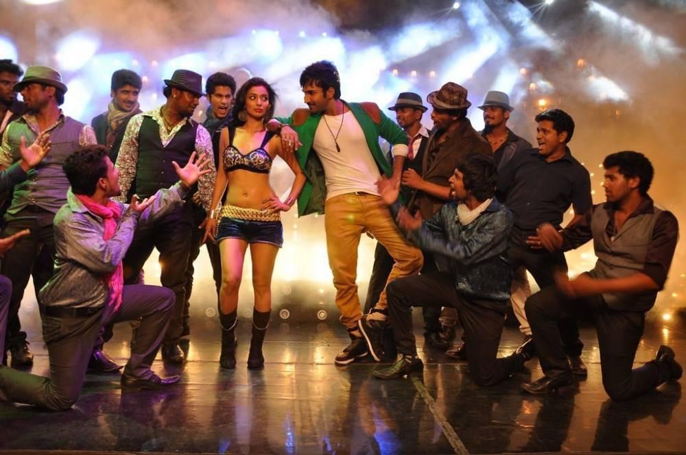 Aadhi,Nikki Galrani,Aadhi and Nikki Galrani,Malupu movie stills,Malupu movie pics,Malupu movie images,Malupu movie photos,Malupu movie pictures,Malupu movie gallery,Malupu movie review,Malupu review