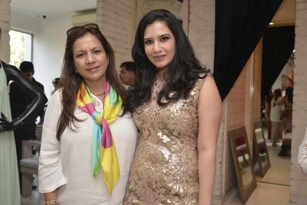 Jyoti Kapoor,jewelry designer Jyoti Kapoor,designer Nandita Mahtani,Nandita Mahtani,special Spring preview,Ananya store in Bandra,Ananya store,Resort Wear 2016,Resort Wear