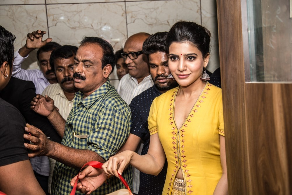 Janatha Garage,Samantha,Samantha launches Bahar Cafe in Bangalore,Samantha launches Bahar Cafe,Bahar Cafe in Bangalore,Samantha Ruth Prabhu,Samantha new pics,Samantha new images,Samantha new photos,Samantha new stills,Samantha new pictures