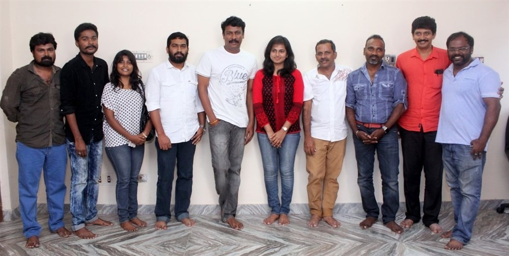 Aan Devathai Movie Launch,Aan Devathai,Samuthirakani,Ramya Pandian,Producer Fakrudeen,Director Thamira,Costume designer Keerthivasan,Cinematographer Vijay Milton,Stunt Master Run Ravi,Aan Devathai Movie pooja,Aan Devathai Movie Launch pics,Aan Devathai Mo