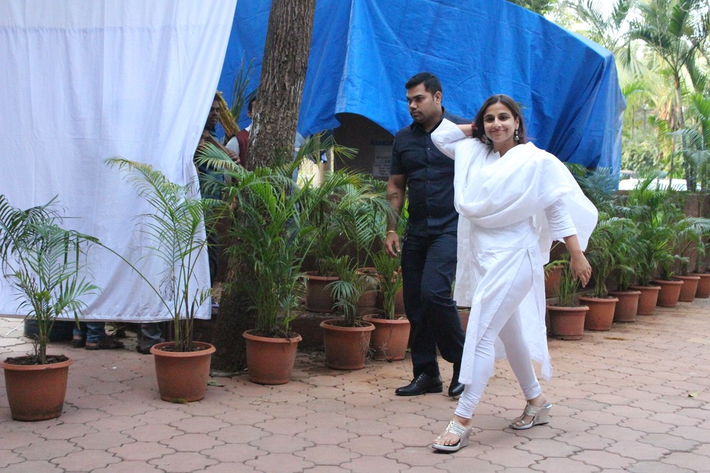 Shilpa Shetty,Prayer meet for Shilpa Shetty's father,Amitabh Bachchan,Aishwarya Rai Bachchan,Preity Zinta,Vidya Balan,Shilpa Shetty Prayer meet,Celebs at Shilpa Shetty Prayer meet,Shilpa Shetty Prayer meet pics,Shilpa Shetty Prayer meet images,Shilpa