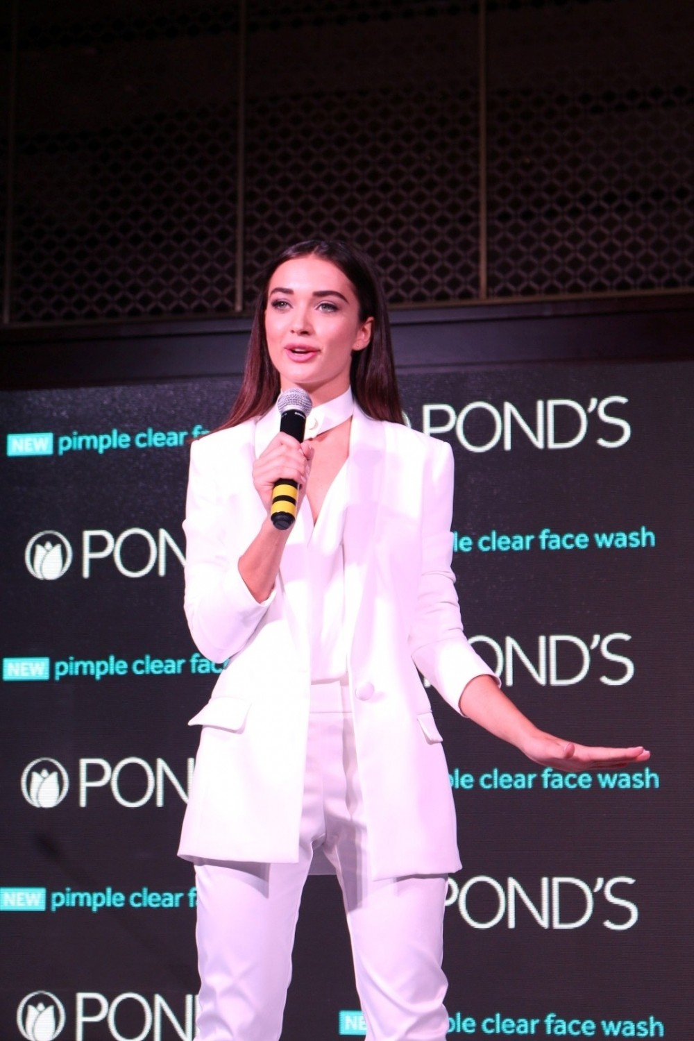 Ileana D'Cruz,Amy Jackson,Ileana D'Cruz launches Pond's new skincare products,Amy Jackson launches Pond's new skincare products,Pond's new skincare products,Amy Jackson latest pics,Amy Jackson latest images,Amy Jackson latest phot