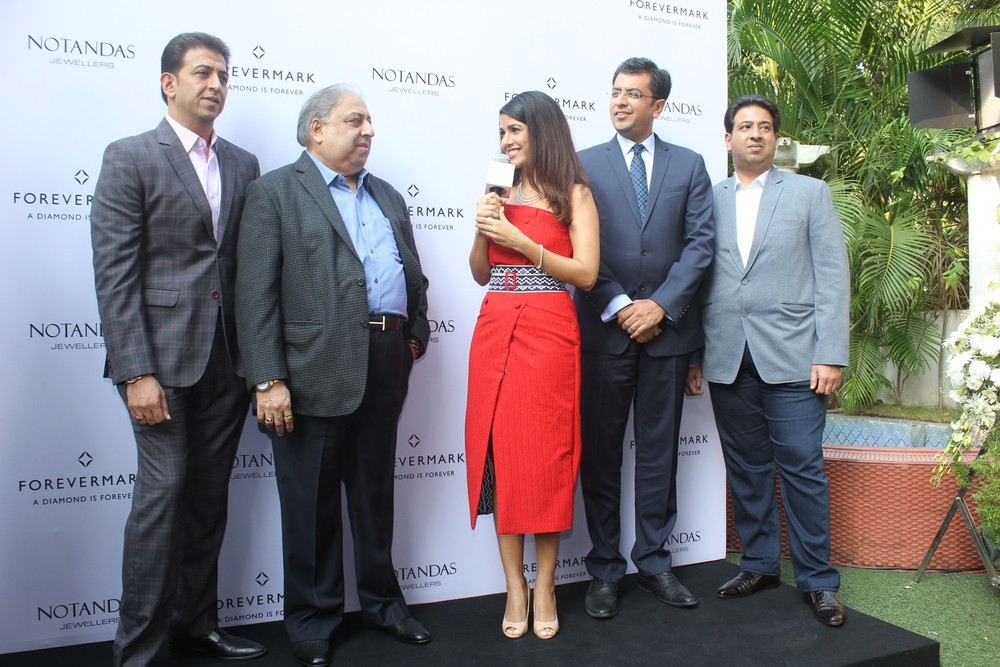 Nimrat Kaur,Forevermark diamonds festive collection,Forevermark diamonds,Forevermark diamonds collection,Nimrat Kaur pics,Nimrat Kaur images,Nimrat Kaur photos,Nimrat Kaur stills,Nimrat Kaur pictures