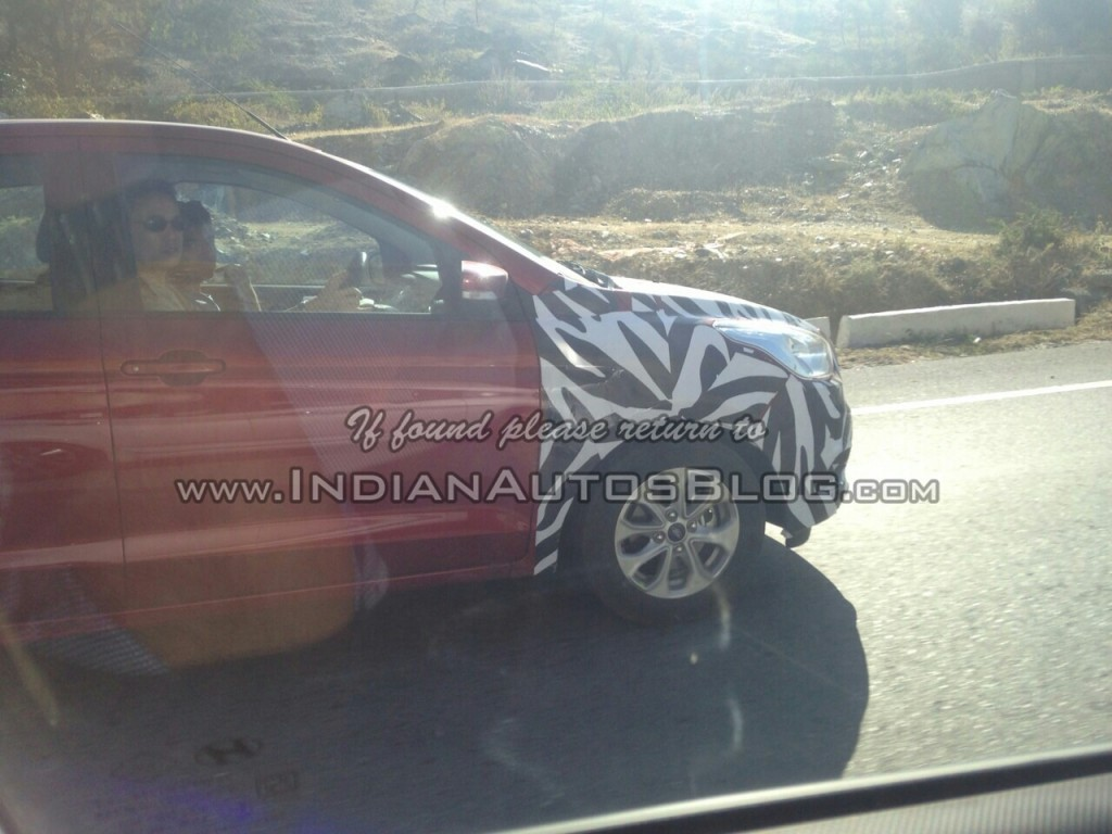 2015 Ford Figo Hatchback Spotted Again; Expected Launch, Price, Feature Details [PHOTOS]