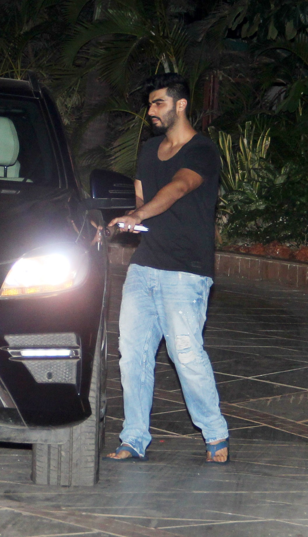 Anushka Sharma, Arjun Kapoor and Other B-Town Celebs At Ranbir Kapoor's Residence